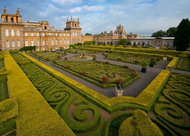 blenheim-palace-italian-garden