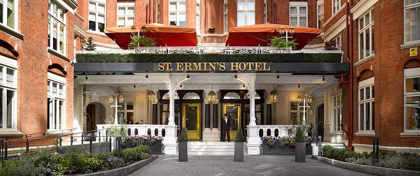 st_ermins_hotel_exterior_door