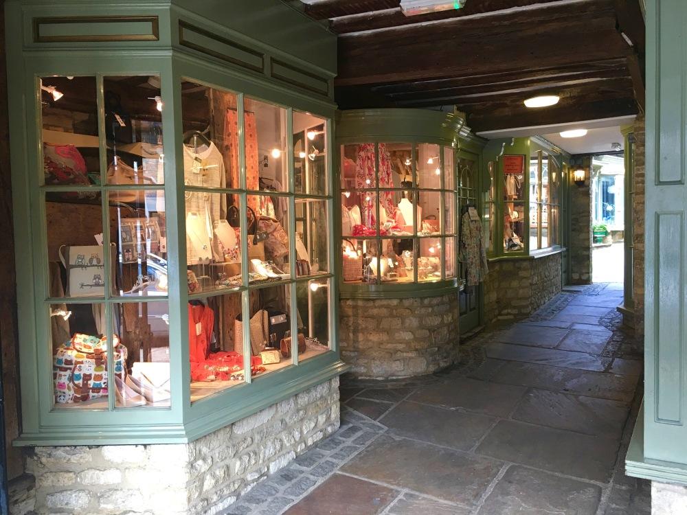 Burford_shops