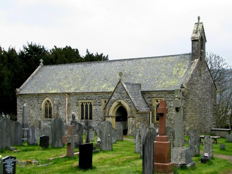 ChurchyardatLlanycil_MaryJonesBurialGround