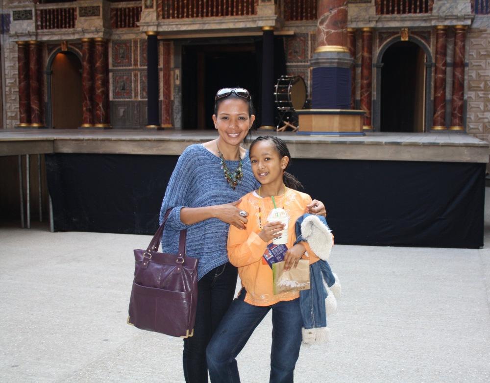 GlobeTheatreGingerBreadAnisa&I2012